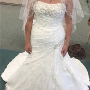 Brand New Wedding Dress Never been Worn